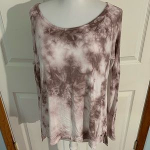 AE soft sexy size XS cold shoulder tie dyed top